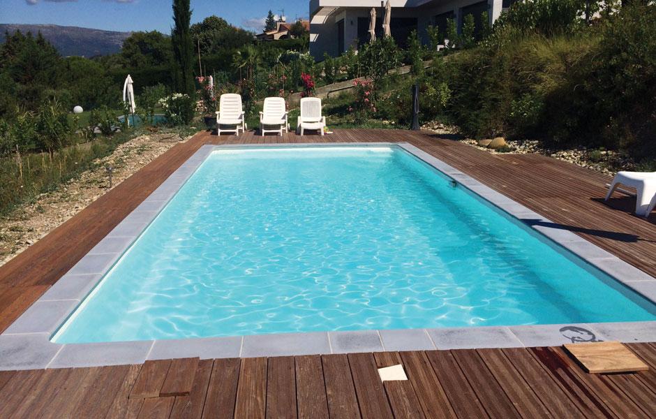 Larme eau piscine - SPA Piscines
