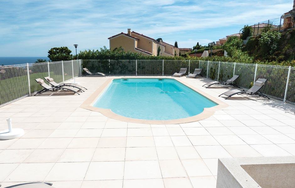 Galerie photos piscine PAROS – SPA Piscines