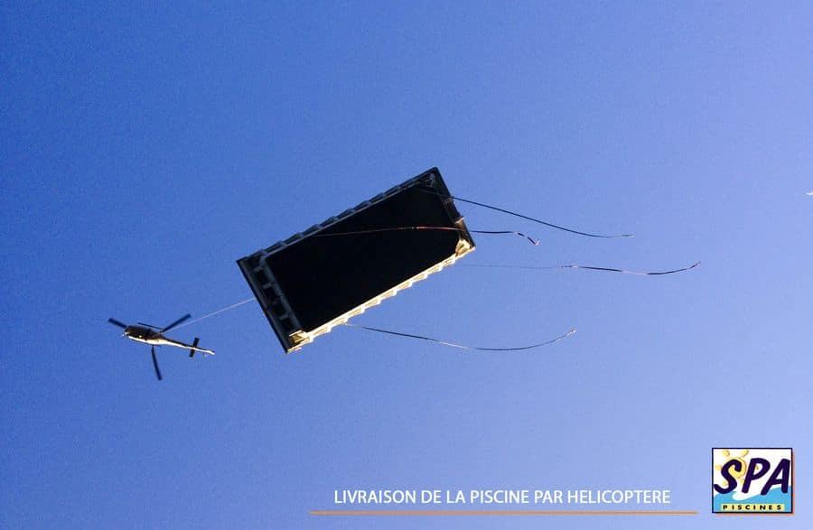 Livraison de la piscine coque polyester – SPA Piscines