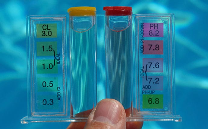 Comment corriger le pH de votre piscine polyester