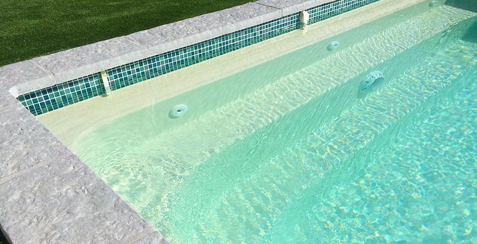 Frise mosaïque piscine coque polyester - SPA Piscines