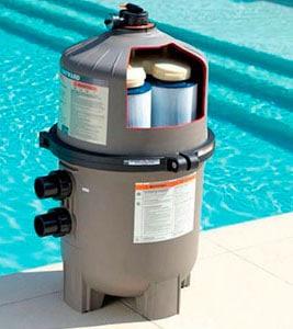 Filtre à cartouche pour piscine coque polyester