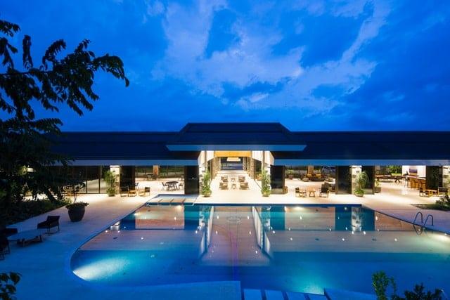 Bien choisir l'éclairage d'une piscine à coque